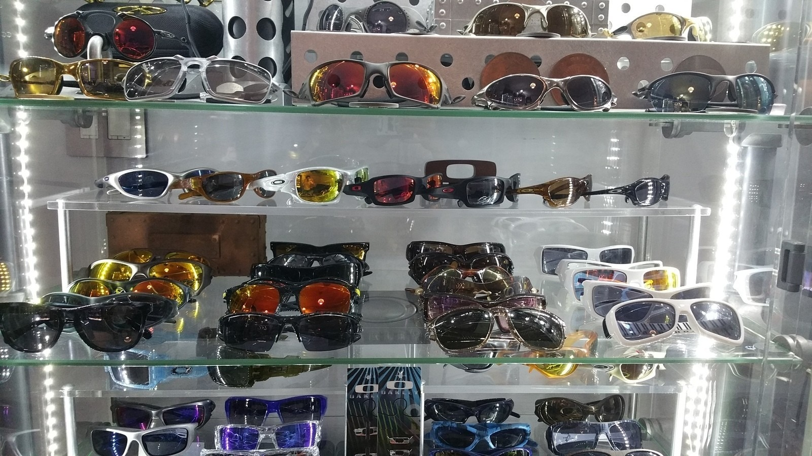 Oakley rooms - show us yours - spine3.jpg