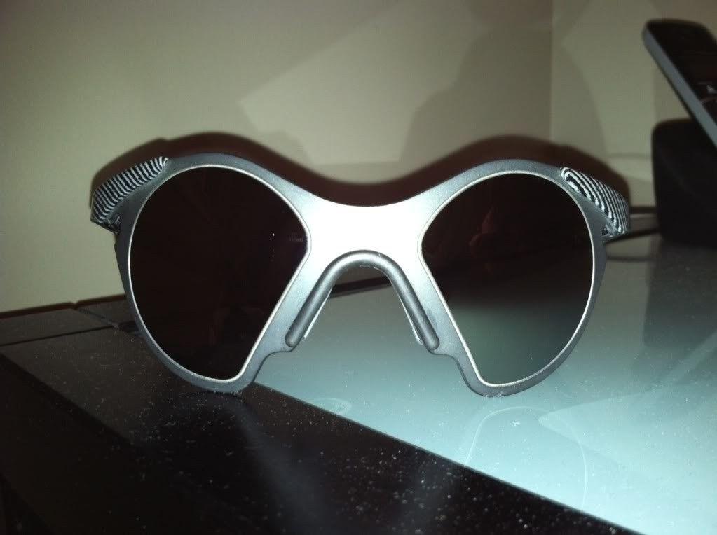 Vintage Oakley Sub Zero #2 (Fingerprint/Black Iridium) - subzerofront.jpg