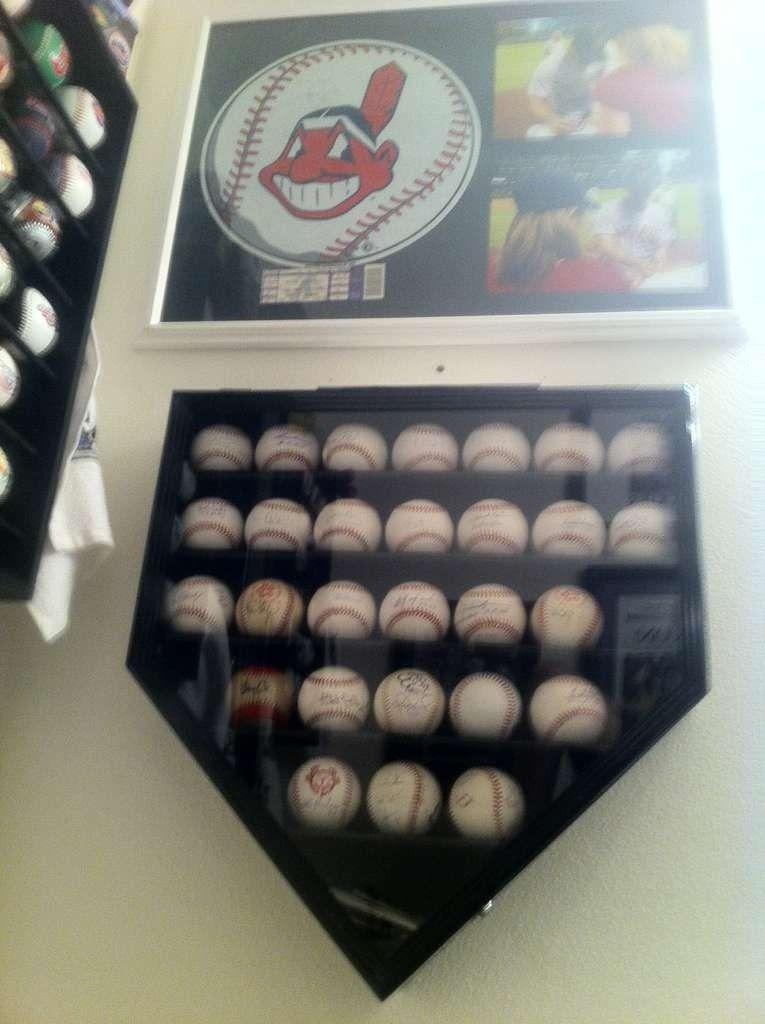 The Baseball Bathroom - sujega6e.jpg