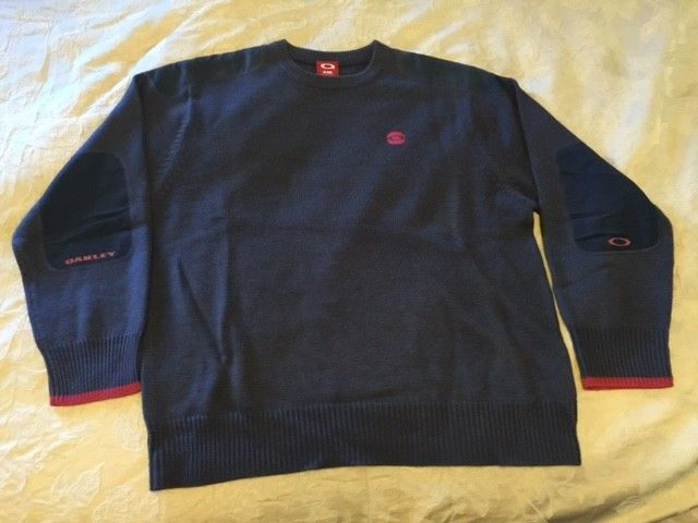 Oakley Snow/Ski Sweaters Size: XXL (3) different ones. - Sweater4.JPG
