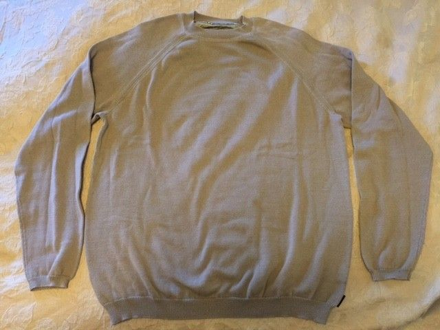 Oakley Snow/Ski Sweaters Size: XXL (3) different ones. - Tan3.JPG