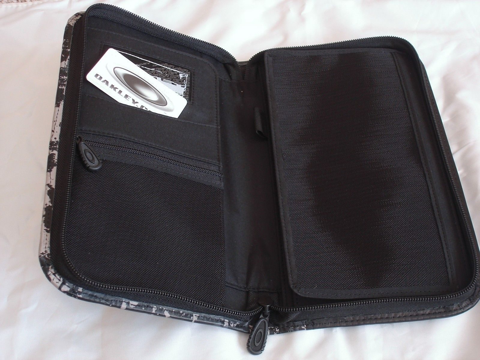 Flight Deck 3.0 Travel Wallet 95040-001 Black Camo - travel wallet 3.JPG