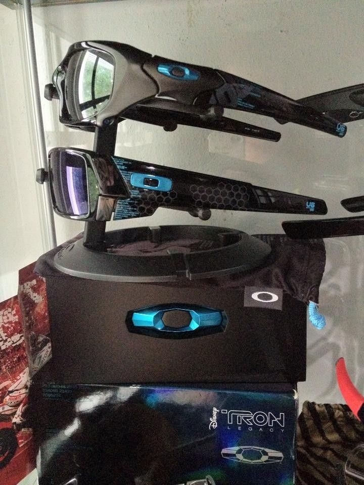 Tron Collections - trond1.jpg