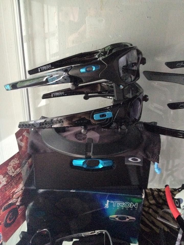 Tron Collections - trond2.jpg