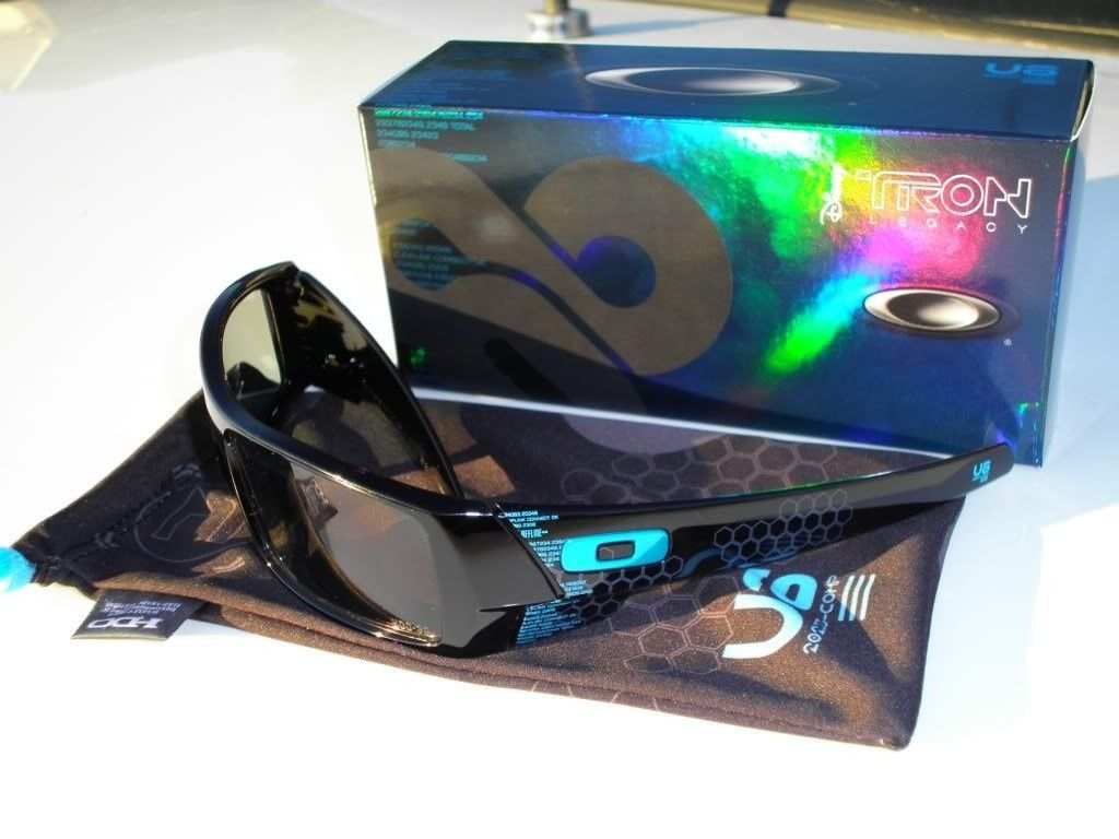 FS: Oakley TRON LEGACY 3D Gascan Limited Edition Rare - TronGC.jpg