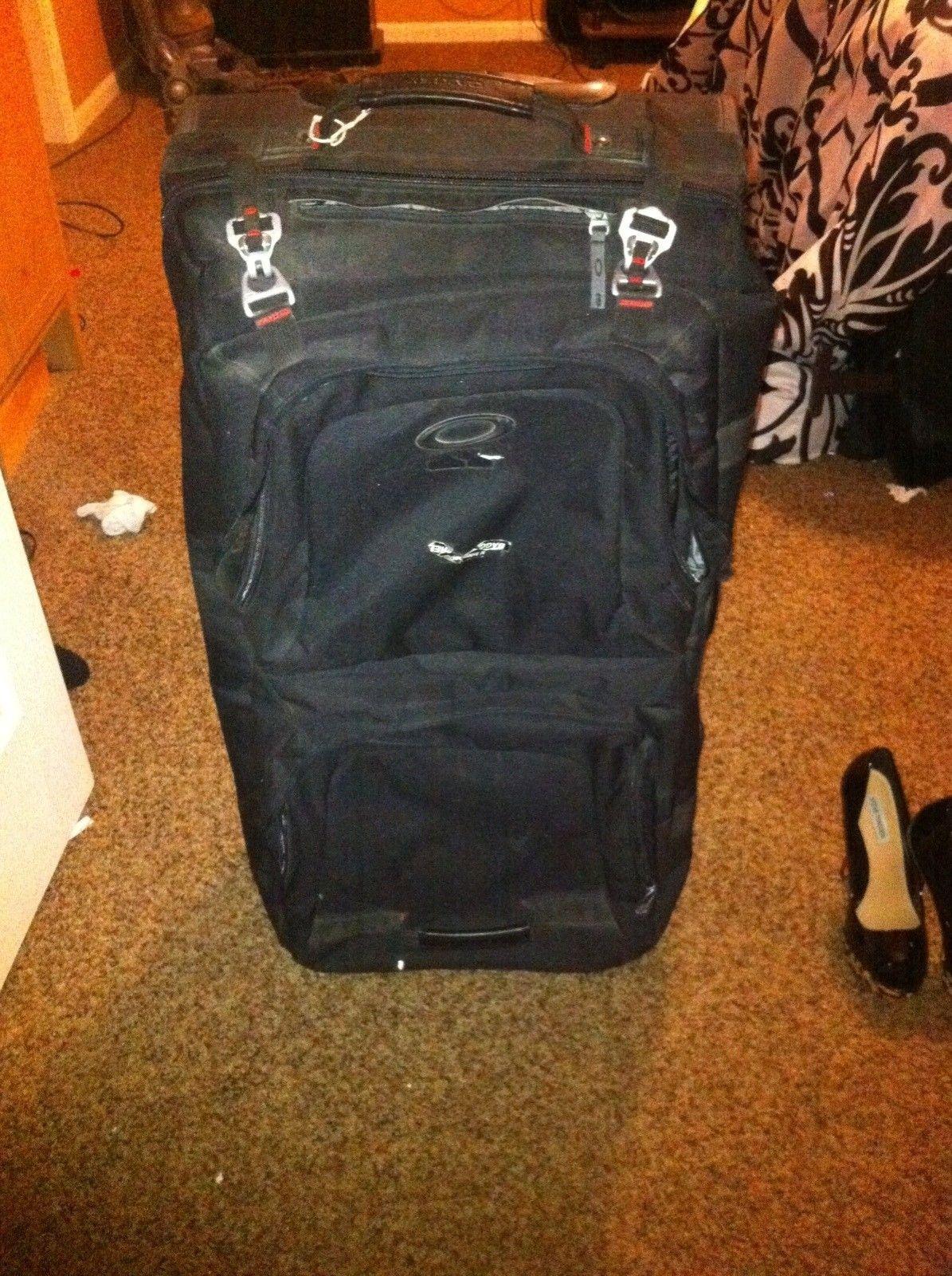 Name That Oakley Luggage. - U+l_OWMM_original.jpg