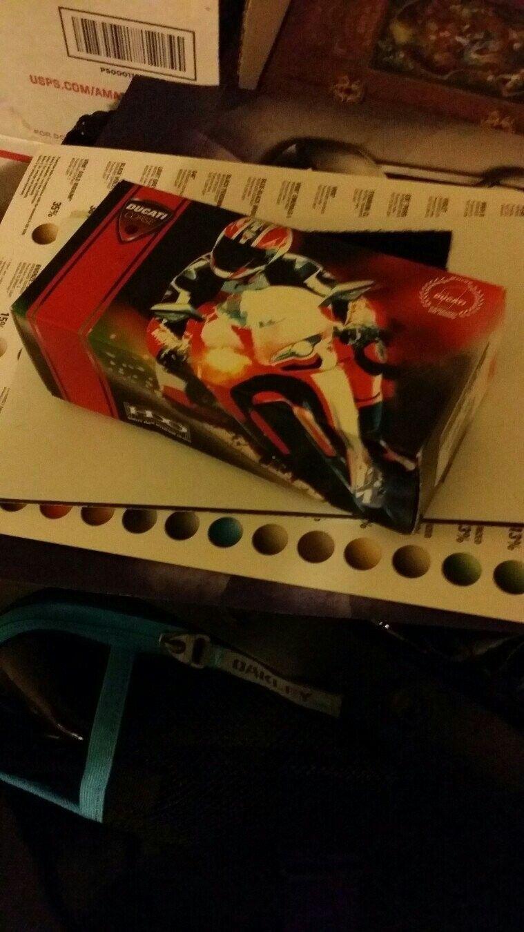 Ducati Boxes - u9enytaq.jpg