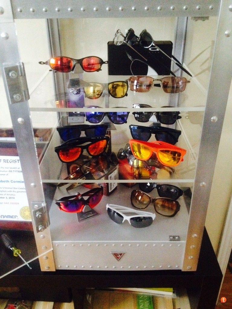 Oakley Counter Top Display - ubu6ynyd.jpg