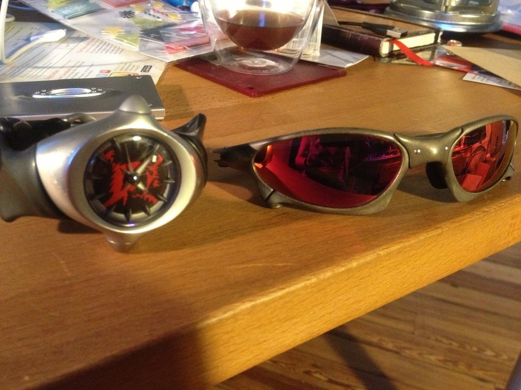 OxiClean And Titanium: Oakley Crush And Penny - uc?export=view&id=0BzaAdTn-IEzvSXRfRzZHNHNOUEU