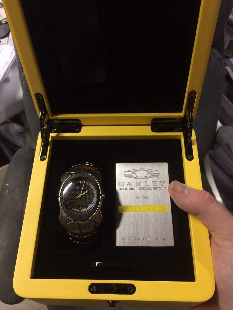 Livestrong and Original Timebomb Watch - umu6uduq.jpg