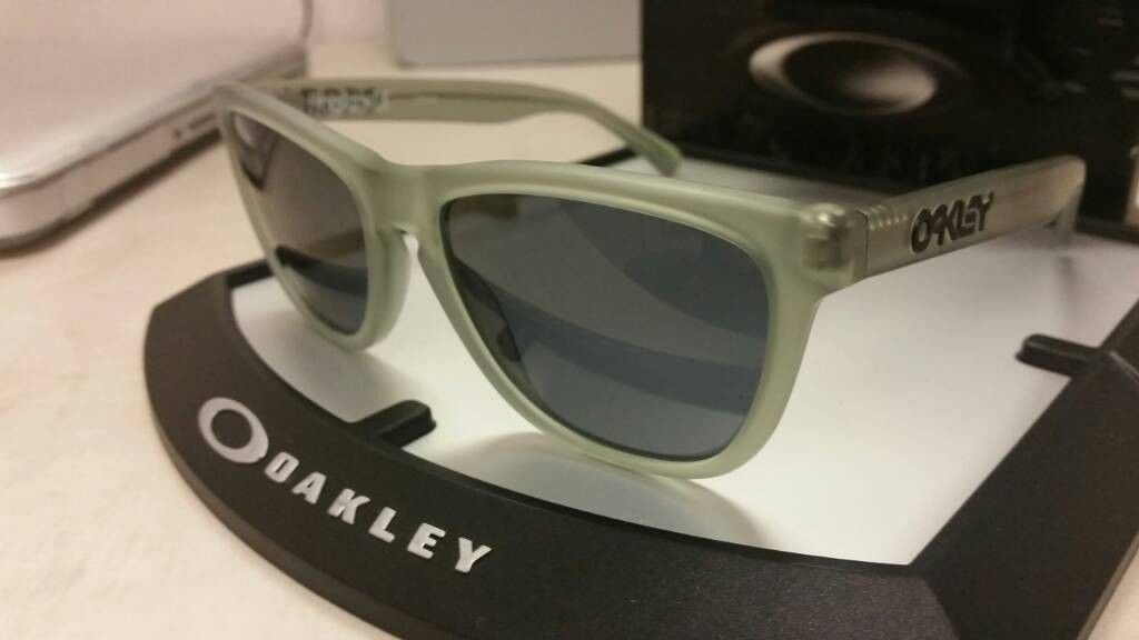 FROGSKIN LX Satin Olive Frame With Grey Lens - uploadfromtaptalk1408382396367.jpg