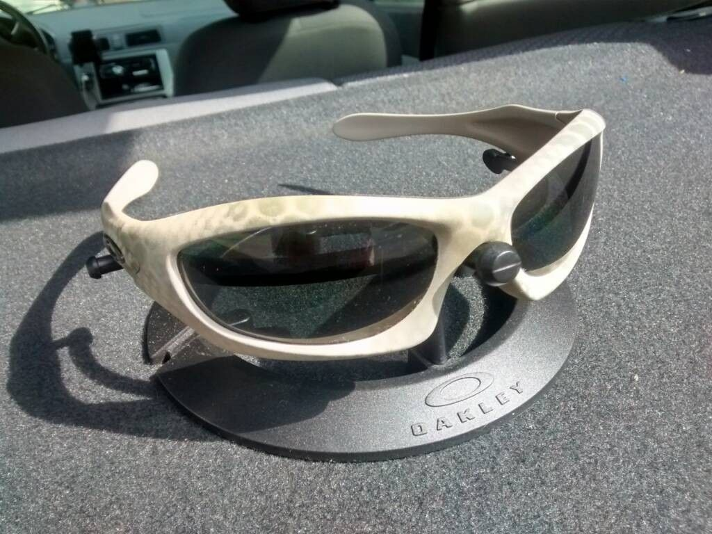 Oakley Monster Dog Ultrablend..ish Cerakote - uploadfromtaptalk1410895268613.jpg