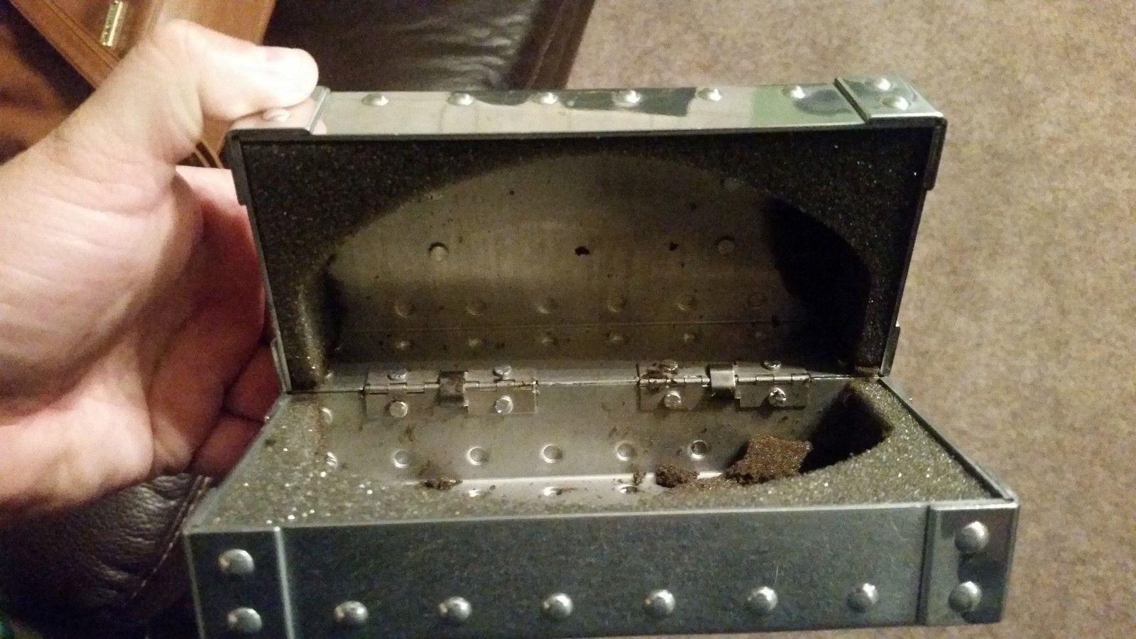 Polished medium Metal Vault - uploadfromtaptalk1443272555377.jpg