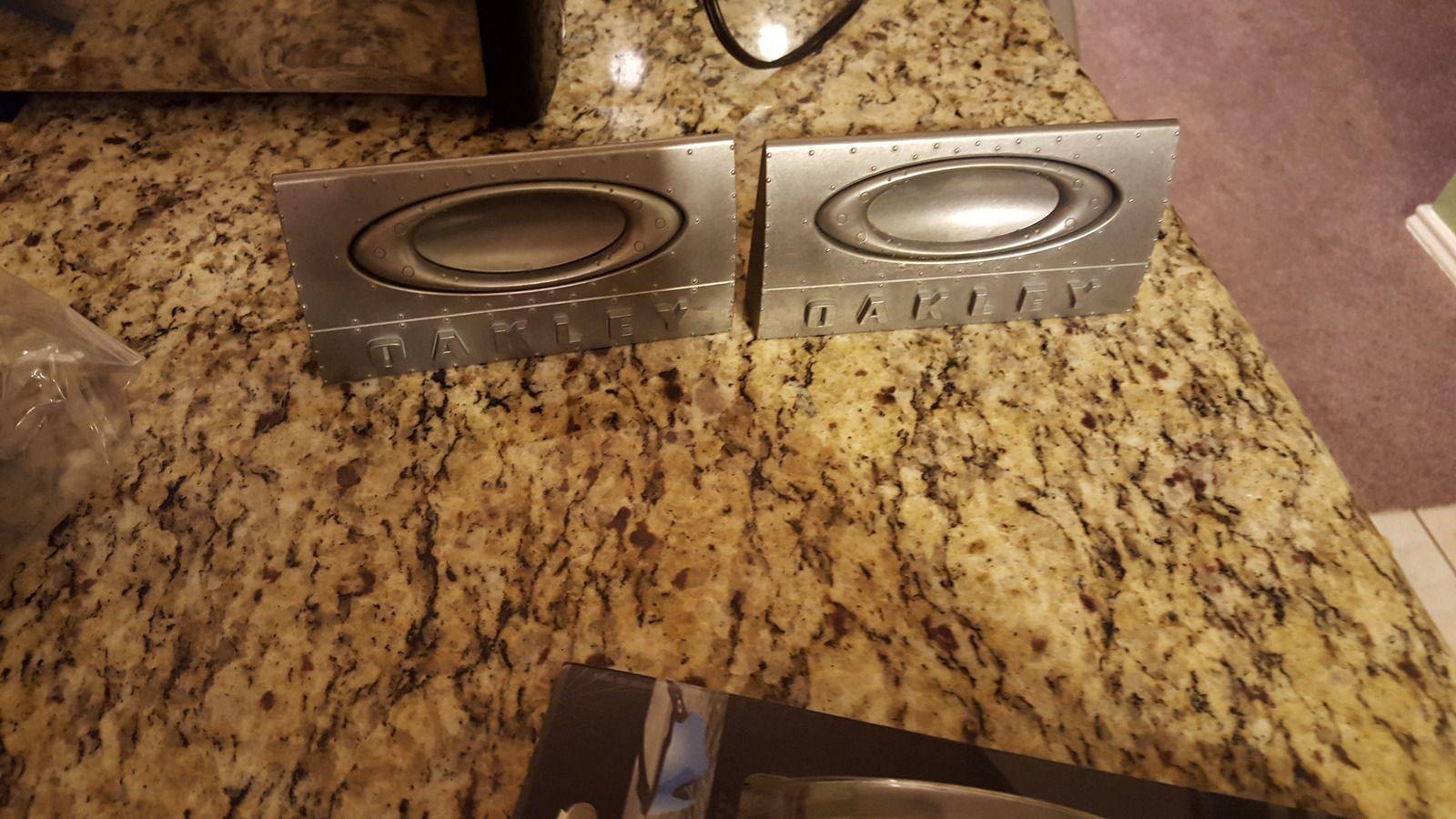 2 branding plates. - uploadfromtaptalk1446005535254.jpg