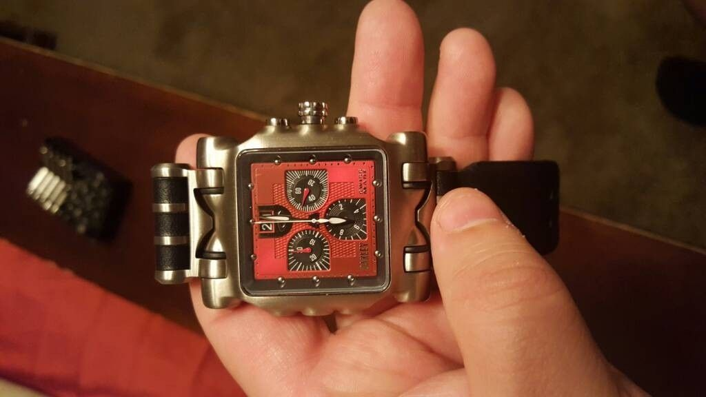 Oakley Red faced Minute Machine $500 - uploadfromtaptalk1463631963251.jpg