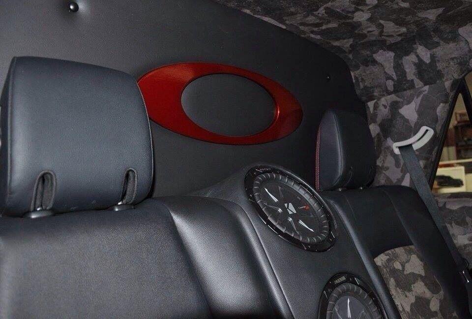 Oakley Vehicles - uqara4es.jpg