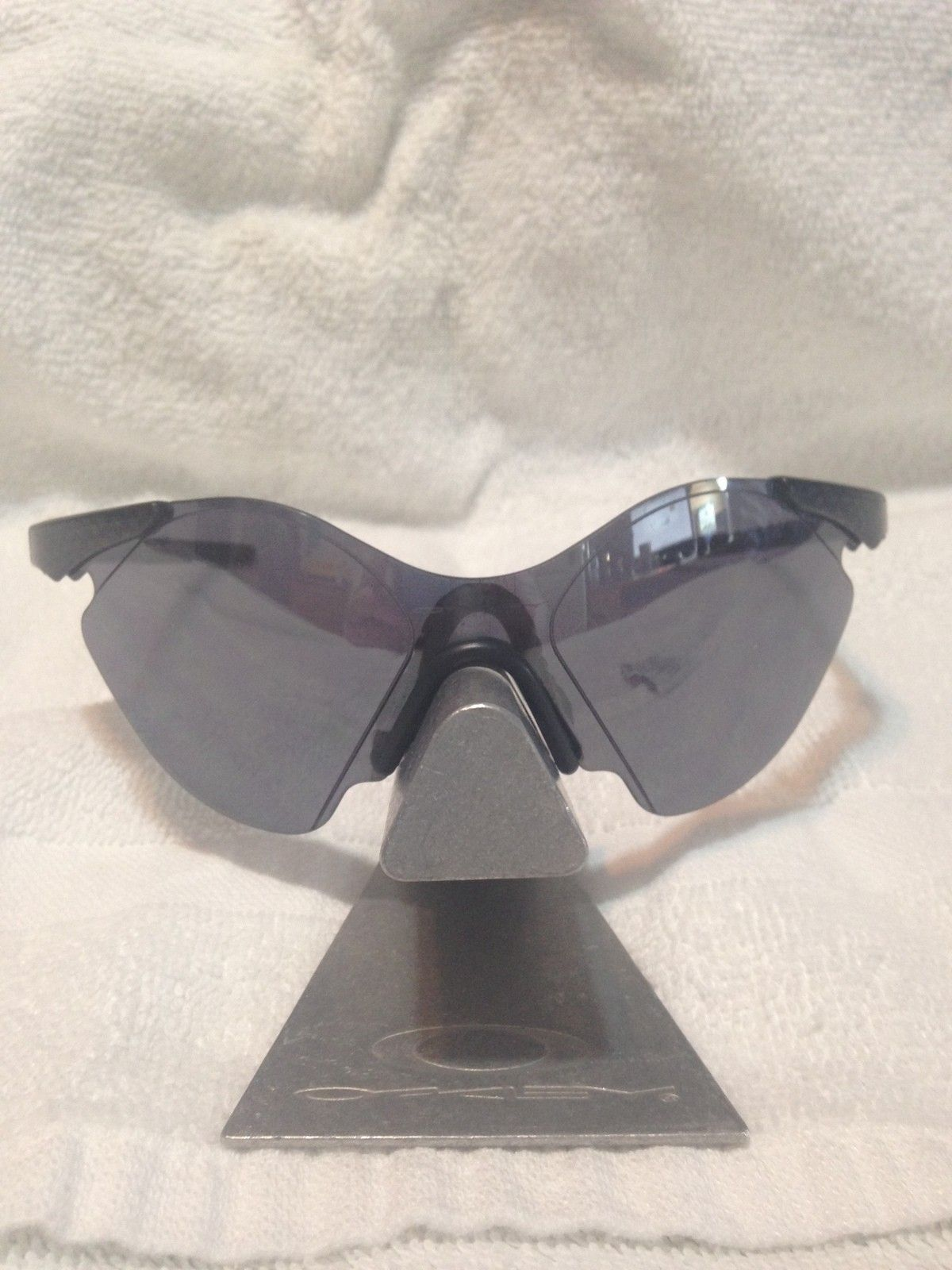 Oakley Stands, Glasses and Case For Sell - UqCasm.jpg