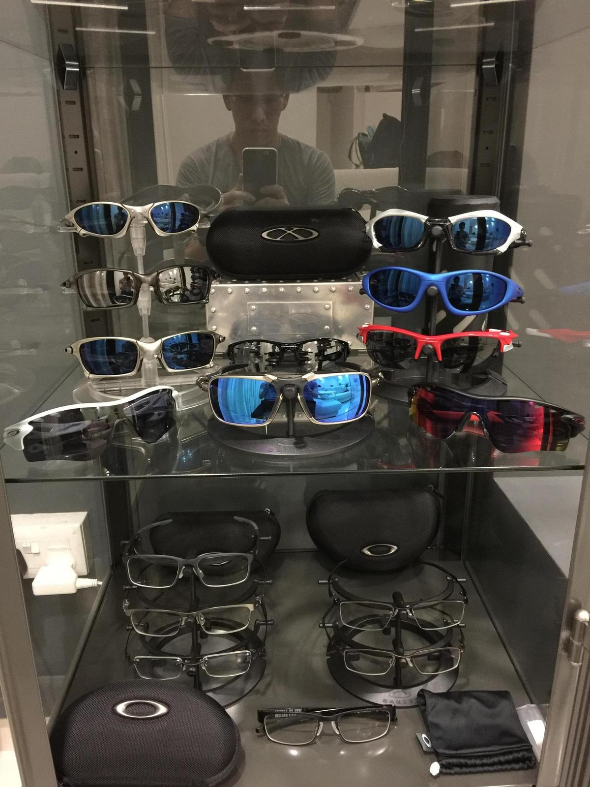 My humble Oakley collection - USh08bx.jpg