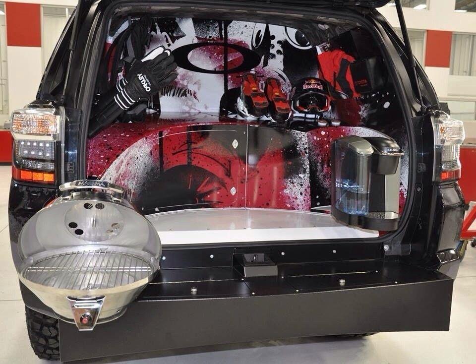 Oakley Vehicles - utenatuz.jpg
