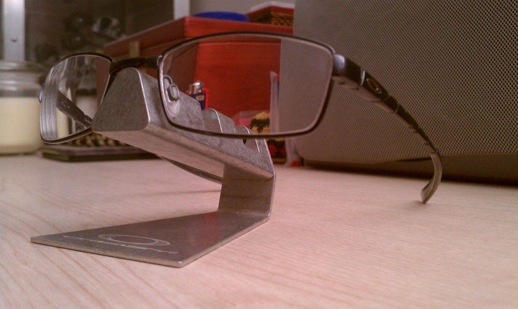Standard Glasses - utf-8BSU1BRzEwNDEuanBn.jpg