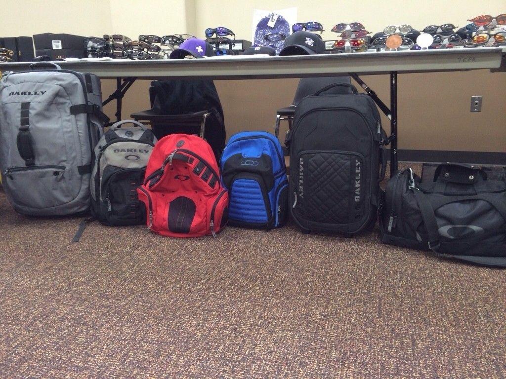 Bags, Packs And Luggages... - ve4y9y2a.jpg