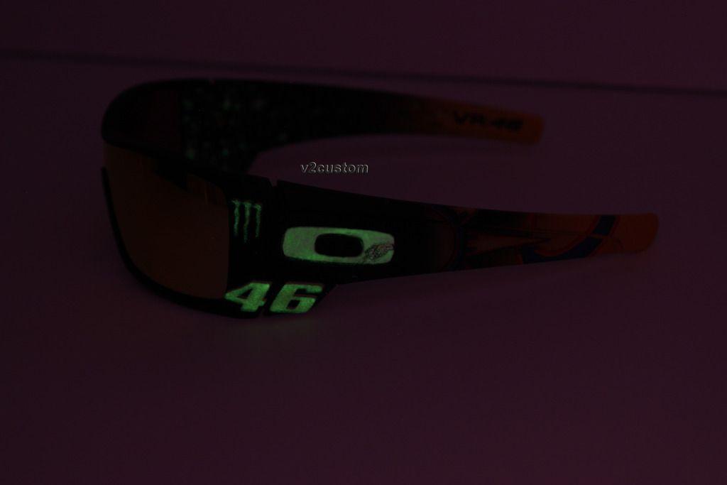 V2oak's 13th DIY: Custom Valentino Rossi inspired Batwolf - vr_46%2015_zps57pbw3hd.jpg