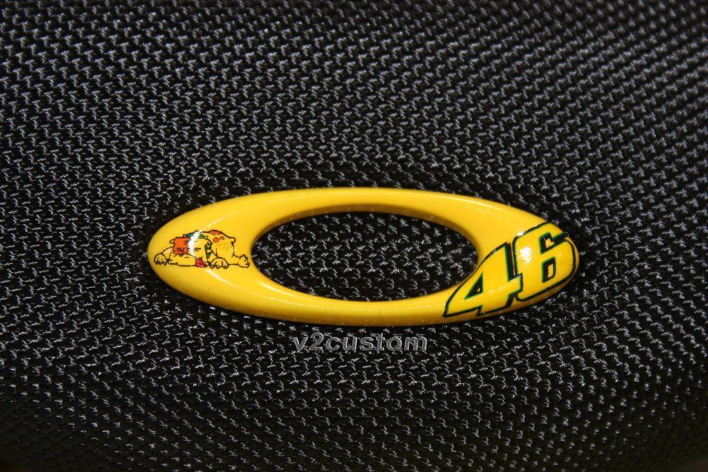 V2oak's 13th DIY: Custom Valentino Rossi inspired Batwolf - vr_46%201_zpstiudnicu.jpg