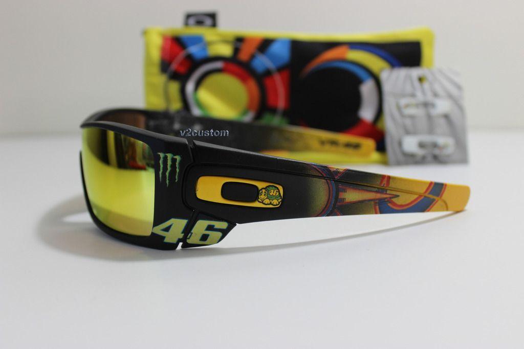 V2oak's 13th DIY: Custom Valentino Rossi inspired Batwolf - vr_46%203_zpscxri0qlu.jpg