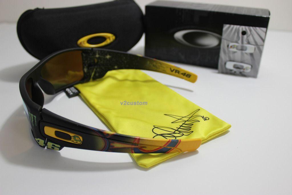 V2oak's 13th DIY: Custom Valentino Rossi inspired Batwolf - vr_46%206_zpsebe0oxwu.jpg