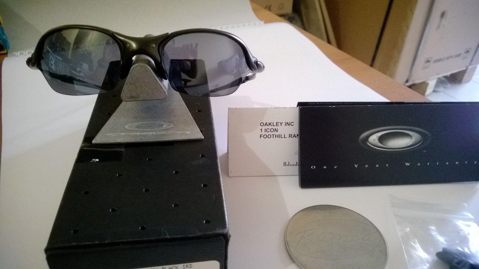 Romeo 2.0 - Carbon W/ Black Iridium - vug0.jpg