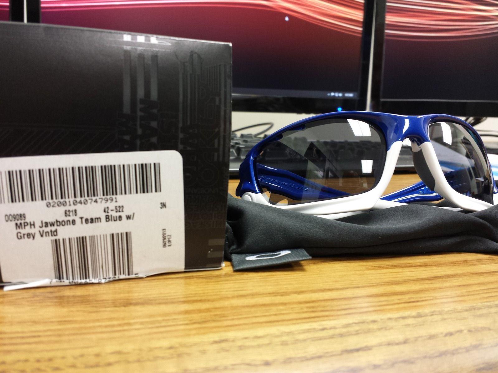 Oakley Jawbone Team Blue NIB - w13s.jpg