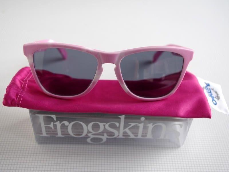 For Sale: Wildberry 'n Milk Frogskins - Wildberry02.jpg