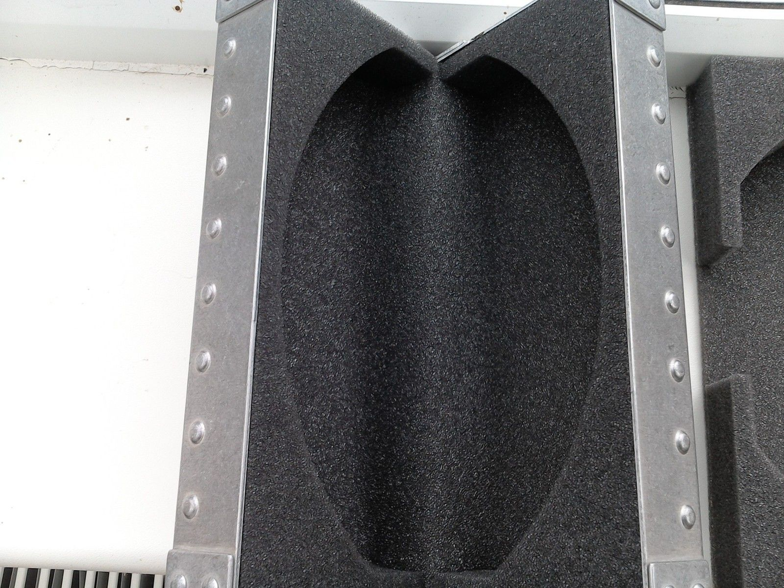 X Metal vault, replacement foam - WIN_20150727_134459.JPG