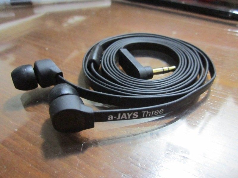 In-Ear Headphones Suggestions? - wxxheccl.jpg