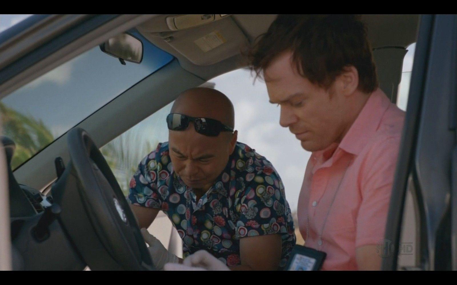 Sunglases Vince Wears In Dexter? - XxnSs.jpg