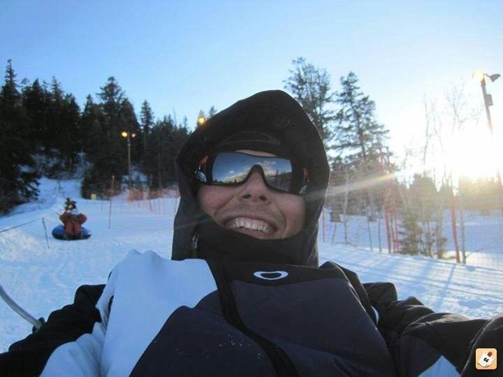 Anyone Snowboard Or Ski? - y2ahy7a7.jpg