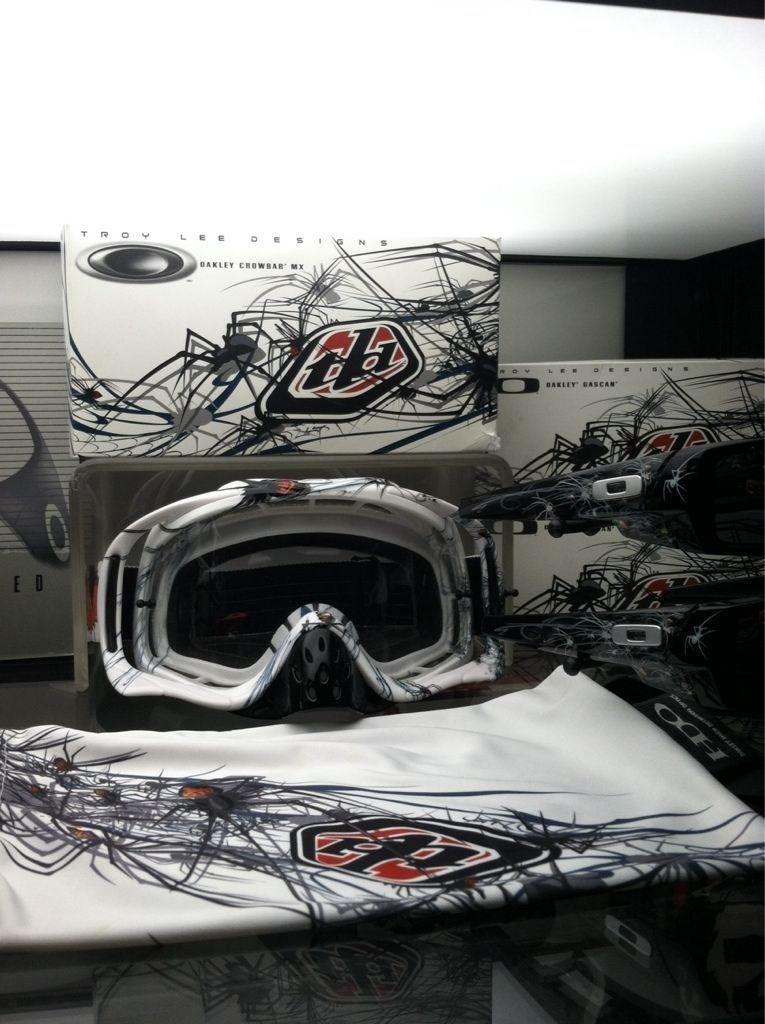 Selling Troy Lee Phobia Glasses +goggles - y4u3e9at.jpg