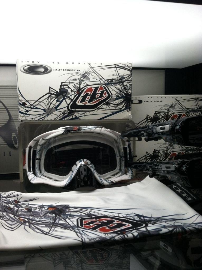 Selling Troy Lee Phobia Glasses +goggles - y4u3e9at.jpg