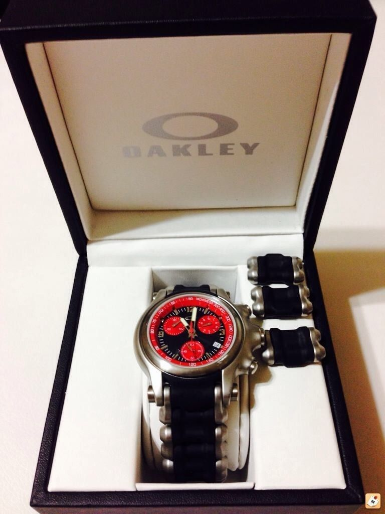 Wts: Holeshot Red Dial W/ Stainless Steel Band - y8u7e2ap.jpg