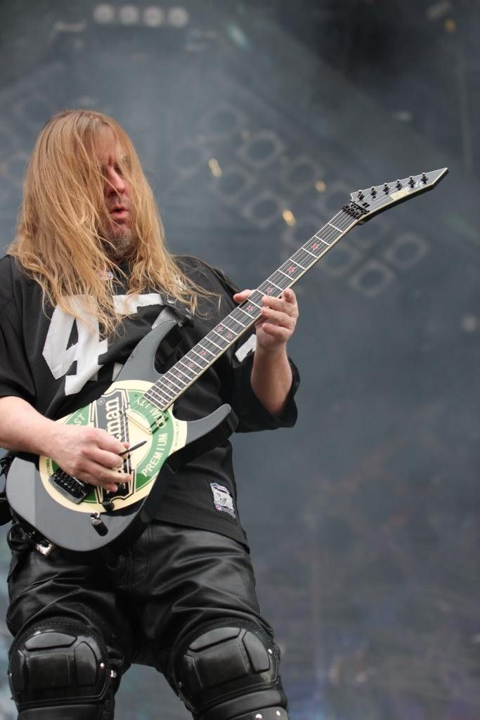 R.I.P. Jeff Hanneman Of SLAYER Dead At 49 - ybupe3e2.jpg