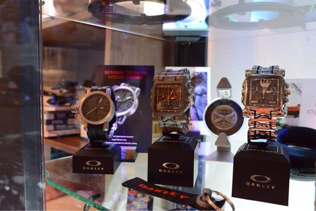 GH4AU's little Oakley watch collection - ydahajen.jpg