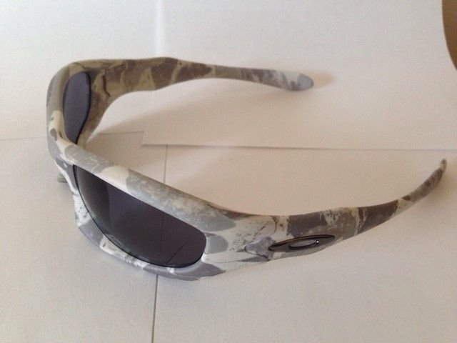 Few Pairs of Oakleys - ygypure9.jpg