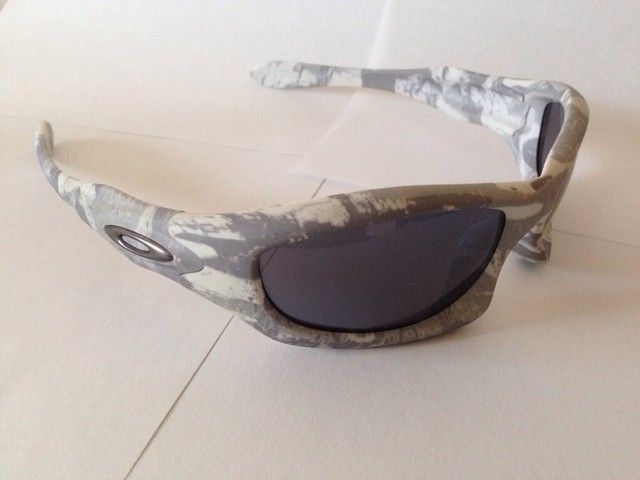 Few Pairs of Oakleys - yme4ada4.jpg