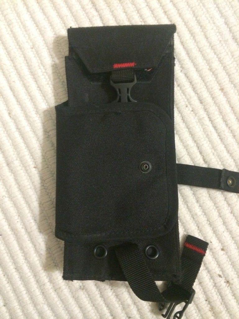 Oakley Tactical Ticket Holder. - yrumenut.jpg