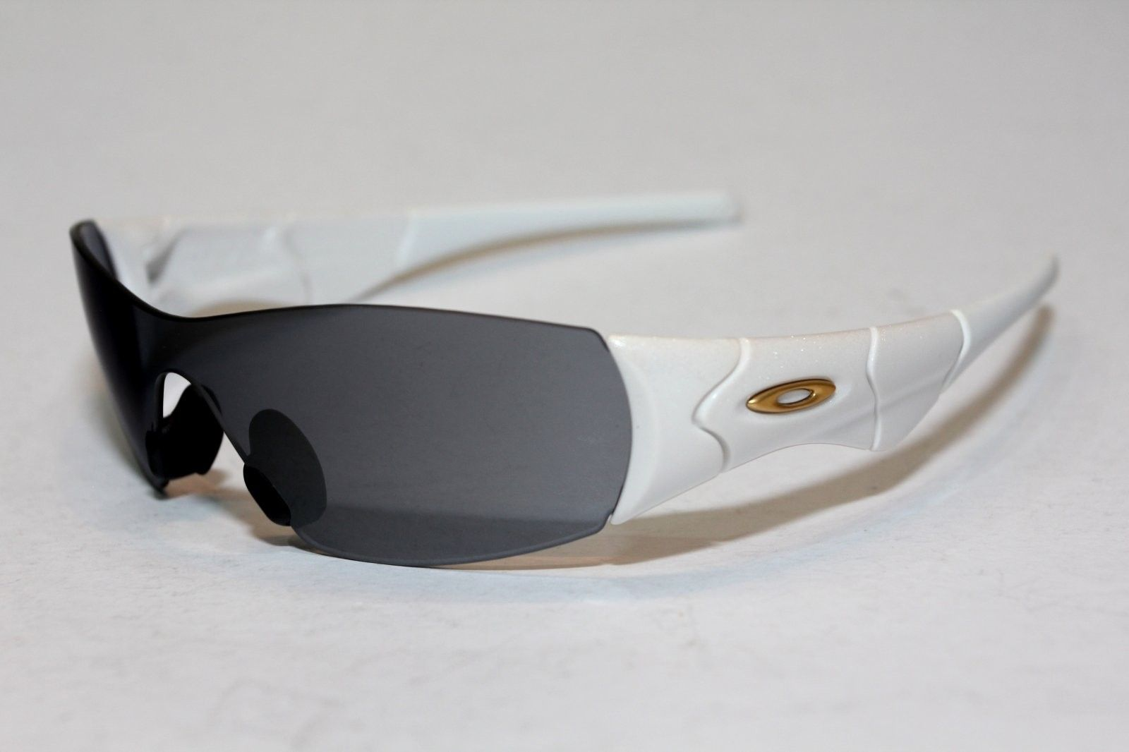 Oakley Zero S - ZeroS PearlWhite-BlkIri5.JPG
