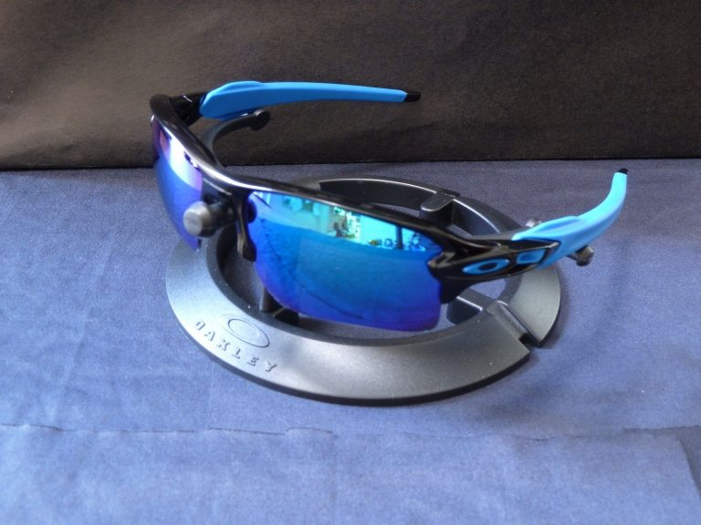 oakley flak 2.0 sunglasses with sapphire iridium lens